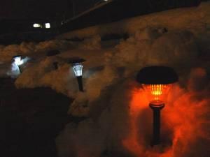 画像3(雪の中のLEDライト)