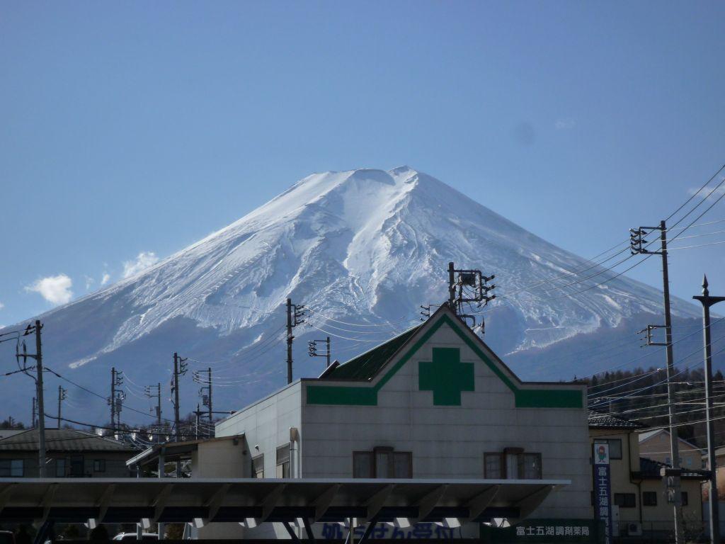 画像2(病院前から見た富士山)