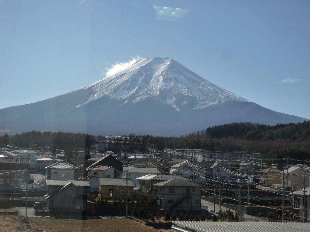 画像4(デイルームから見た富士山)