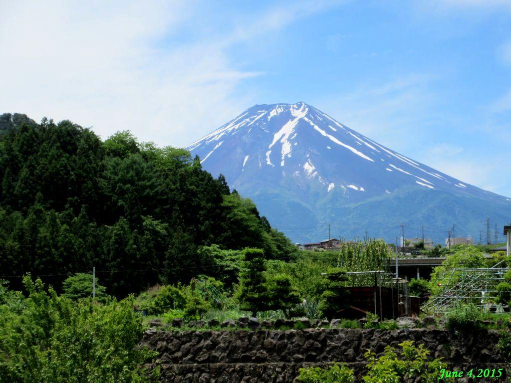 画像5(急な上りの手前の富士山)