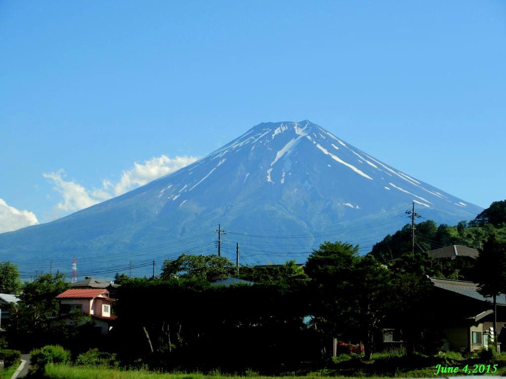 画像35(下暮地付近から見た富士山)
