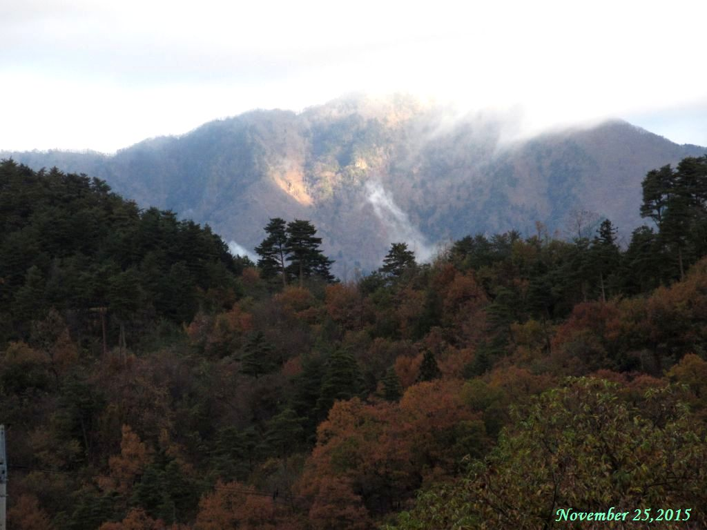 画像2(北西方向の山)
