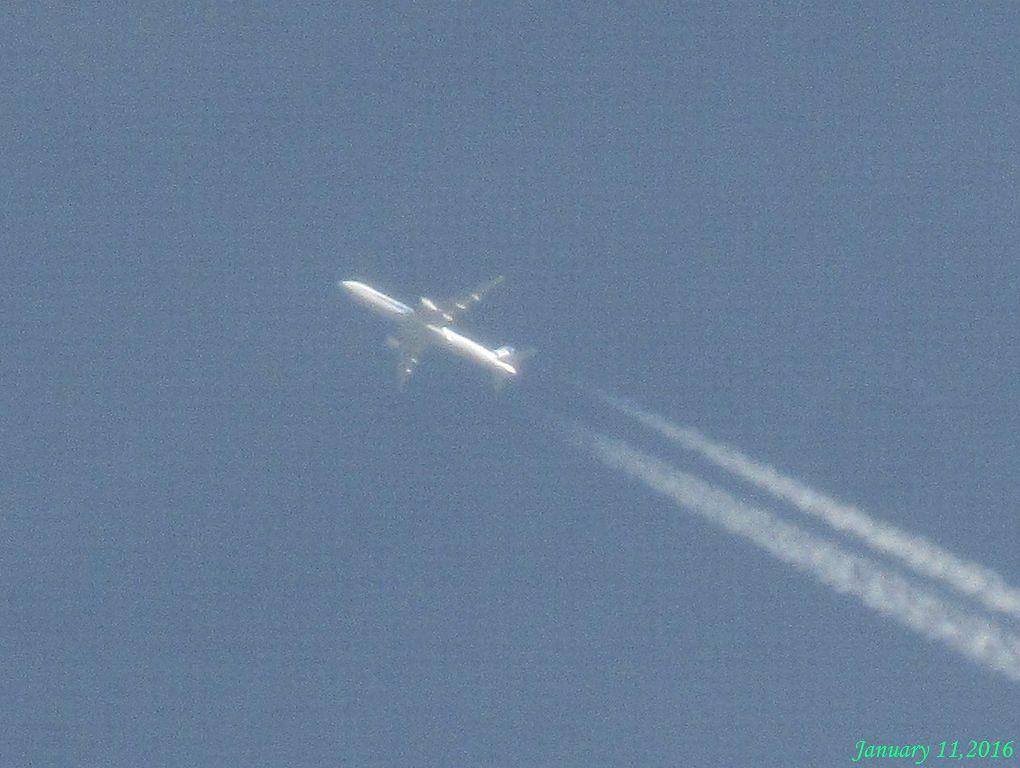 画像2(ジェット機と飛行機雲)