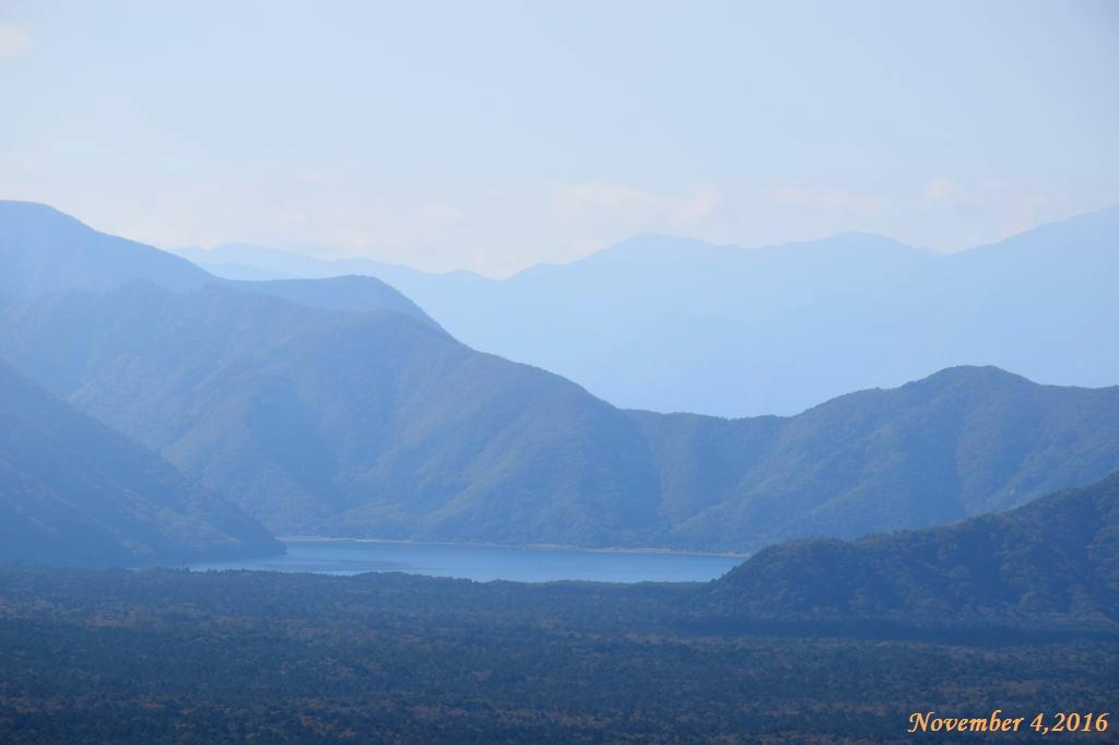 画像4(三湖台から見た精進湖)