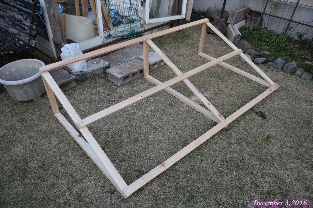 画像4(屋根の木枠)