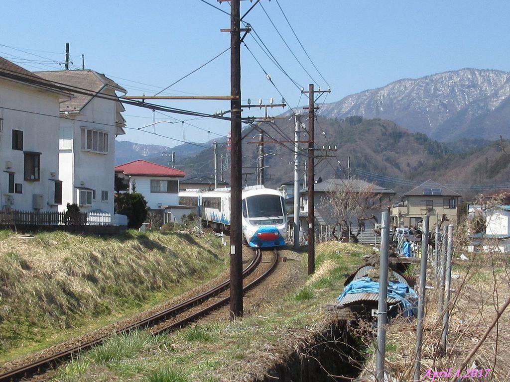 画像4(富士急行線「フジサン特急」)