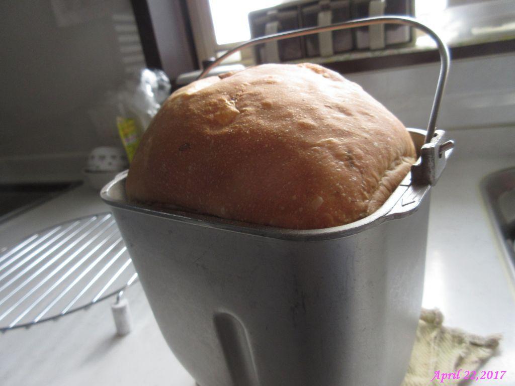 画像1(焼き上がったパン)