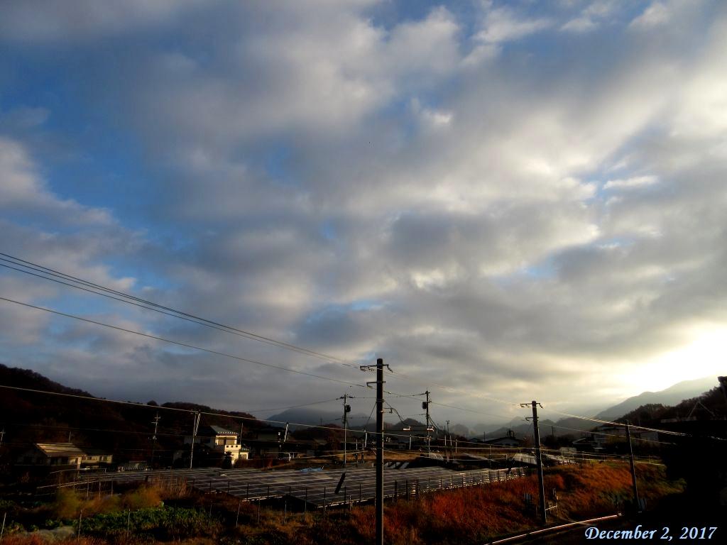 画像1(雲の多い朝)