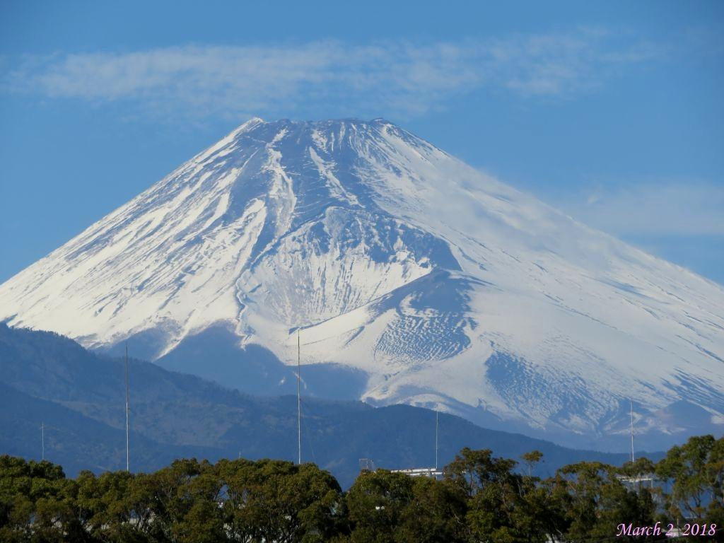 画像4(三島駅新幹線ホームから見た富士山)