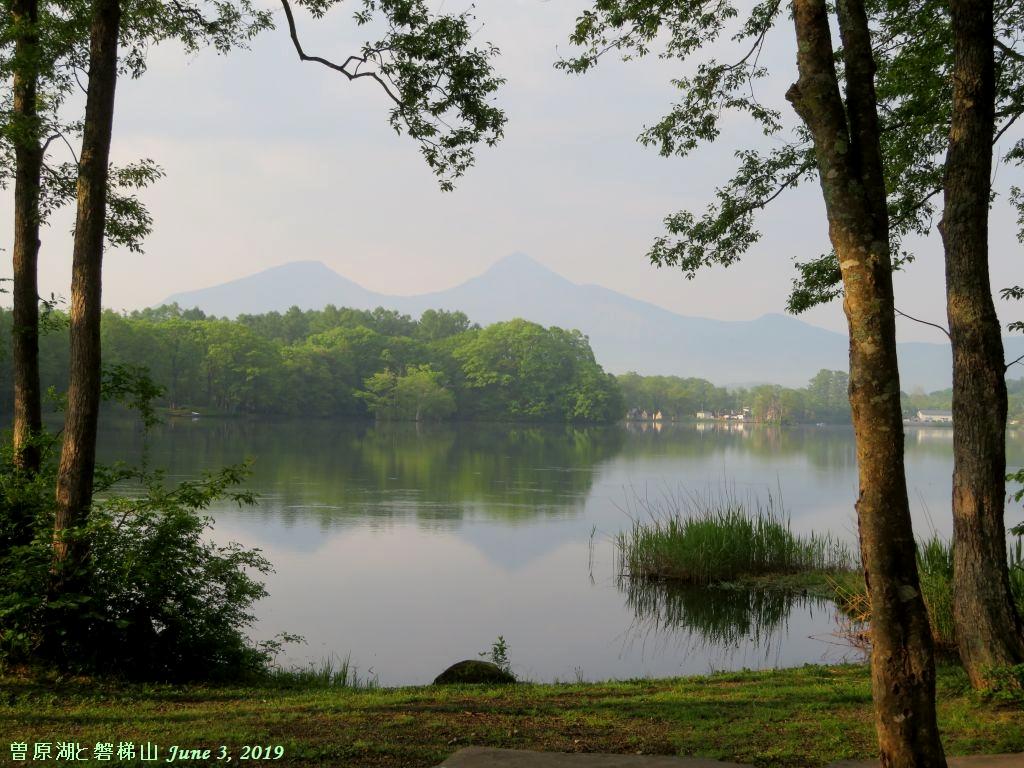 画像11(曽原湖と磐梯山)