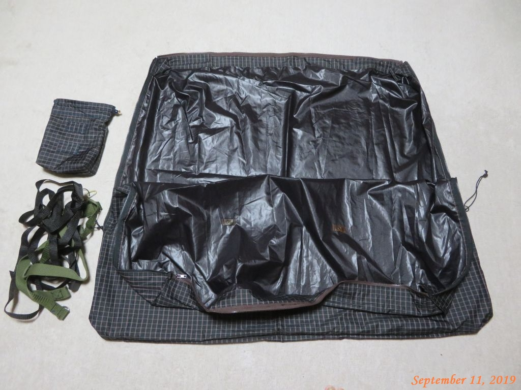 画像9(輪行袋と収納ケース)