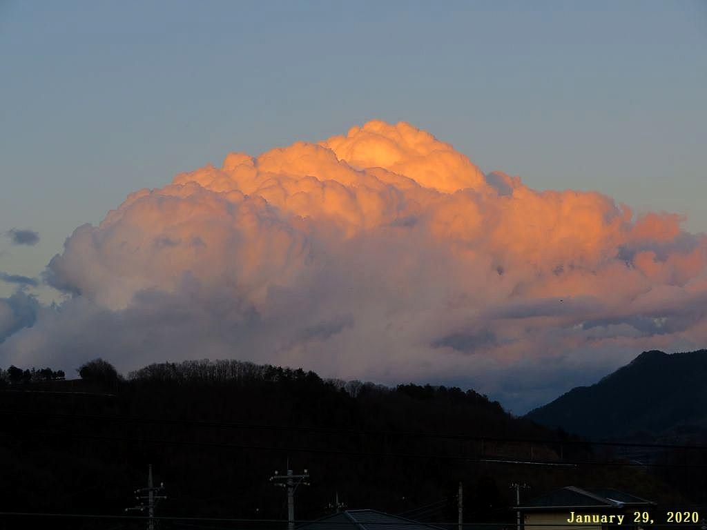 画像4(夕陽に照らされた雲)