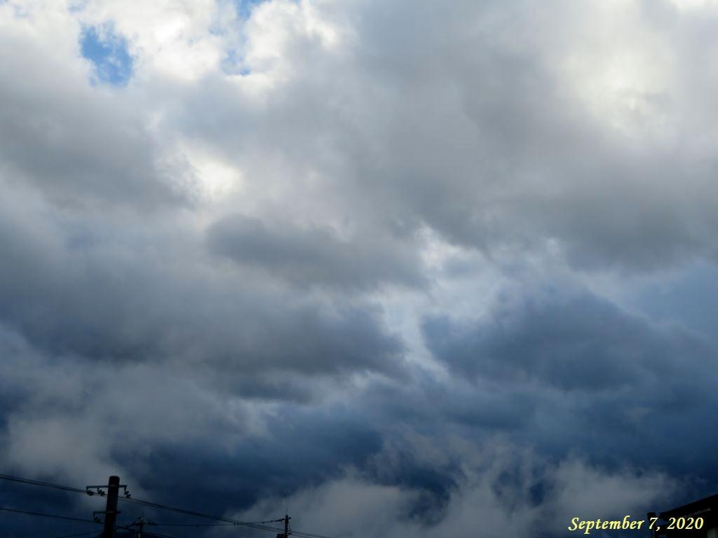 画像1(台風10号に伴う雲)